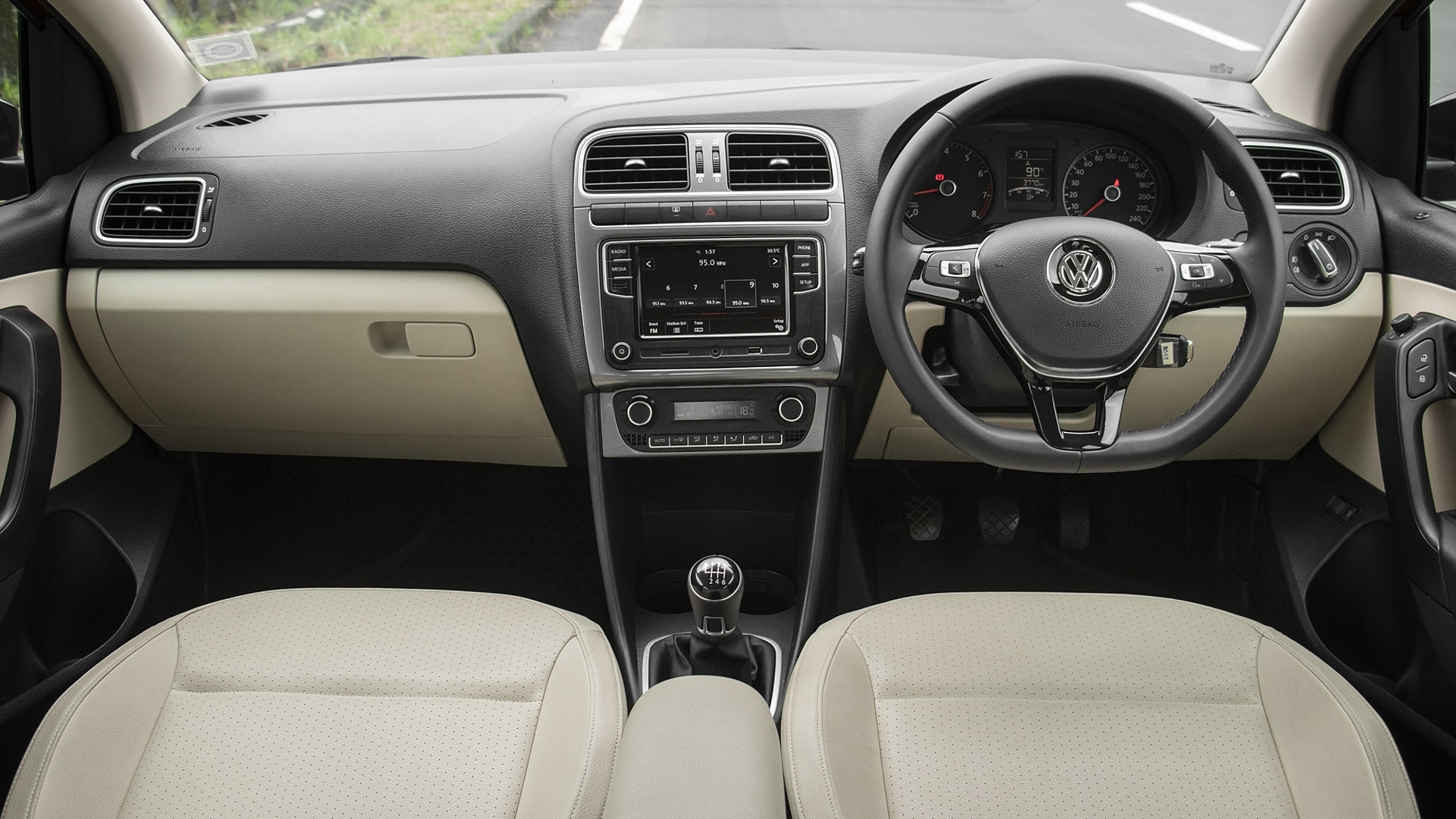 Volkswagen Vento Bs6 Price January Offers Images Colours Reviews Carwale