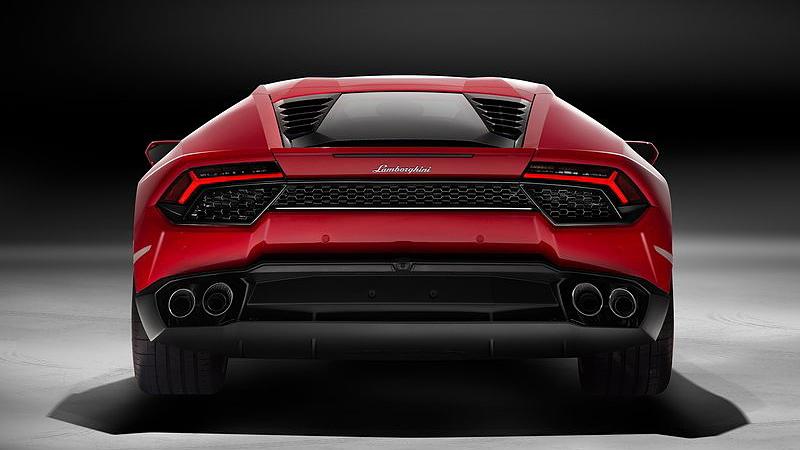 Lamborghini huracan rear view